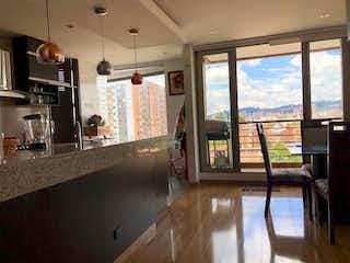 Una cocina con un gran ventanal y un gran ventanal en Apartamento en venta en La Calleja 162m² con Gimnasio...