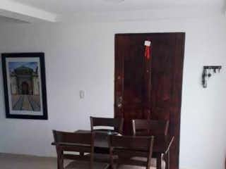 Una sala de estar llena de muebles y una ventana en Apartamento en venta de 70.7 M2 La Mina Envigado