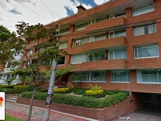 Un edificio de ladrillo rojo con un edificio de ladrillo rojo en Apartamento En Venta En Bogota Chico Norte Ii