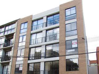 Un edificio alto sentado al lado de una calle en Apartamento En Venta En Bogota Santa Ana Occidental-Usaquén