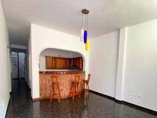 Cocina con fogones y microondas en Casa en venta en Santa Lucía 100m² con Jardín...