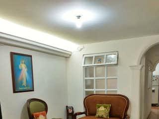 Una sala de estar llena de muebles y una televisión de pantalla plana en Venta de Apartamento en Robledo