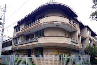 Apartamento en venta en Laureles de 136m²