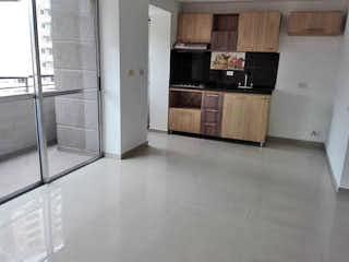 Cocina con nevera y microondas en Apartamento en venta en San Germán, de 50mtrs2