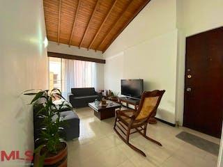 Una sala de estar llena de muebles y una televisión de pantalla plana en Bosques Del Cerro