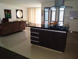 Una sala de estar llena de muebles y una ventana en Se Vende Apartamento en Simón Bolívar ,Medellin
