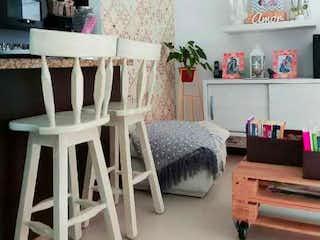 Una sala de estar llena de muchos muebles en VENTA APARTAMENTO EN ENVIGADO SECTOR SEORIAL