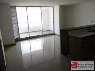 Un baño que tiene una ventana en él en Apartamento ParaVenta