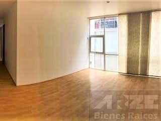 Una vista de un pasillo desde un pasillo en Departamento Super Ubicado y Comunicado en Roma Sur 86 m² 3r