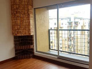 Una sala de estar llena de muebles y una ventana en Apartamento en venta en Pontevedra de 121m²