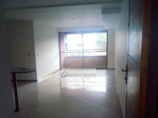 Una habitación que tiene una ventana en ella en Apto Sabaneta Aves Maria 750620 P.12