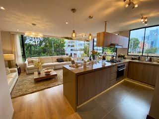 Una gran cocina con un montón de espacio de contador en Elegante apartamento de 119 metros en Chicó Navarra-AR