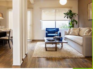 Una sala de estar llena de muebles y una televisión de pantalla plana en Casas Puerta del Encinar
