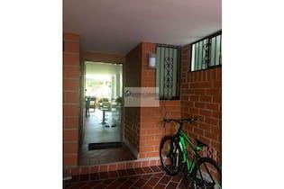 Casa en venta en Loma De Cumbres de 4 hab. con Piscina...