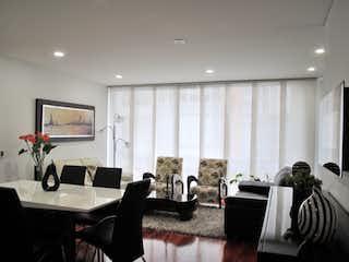 Una sala de estar llena de muebles y una televisión de pantalla plana en Venta Apartamento Nicolas de Federman - 3231032