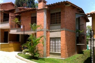 Casa en venta en Calle Del Banco con acceso a Balcón