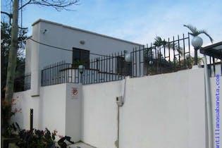 Casa en venta en Calle Larga con Jardín...