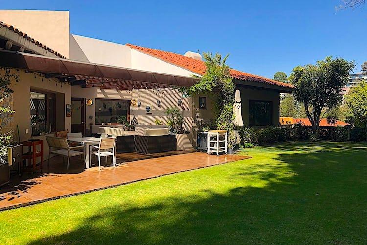 Foto 2 de Casa en venta en Bosque de las Lomas, Miguel Hidalgo 650 m²