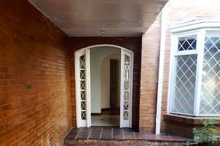 Casa en venta en Barrio Cedritos de 3 hab.