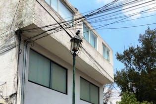 Casa  en venta en Las Águilas, uso de suelo