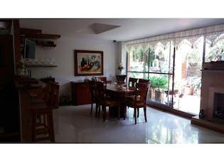 Casa en venta en Las Lomitas de 3 hab. con Jardín...