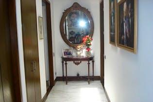 Apartamento En Bogota Nogal tres habitaciones con baño cada una,dos principales con amplio vestier