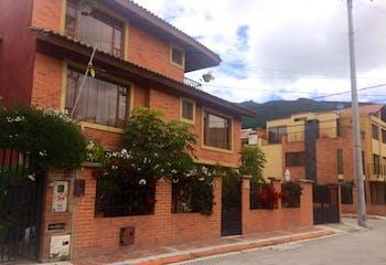 Casa en venta en Casco Urbano Cota de 150m² con Bbq...