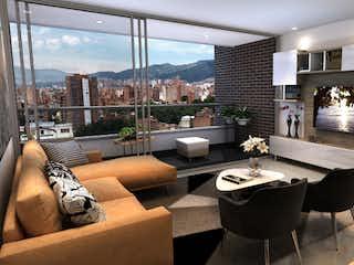 Una sala de estar llena de muebles y una chimenea en Turin Luxury