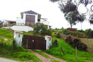 Casa en venta en Yerbabuena, 250m²