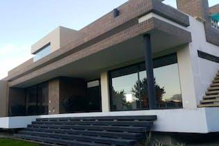 Casa Campestre En Venta En Chia Hacienda San Simon .Cuenta con: 3 alcobas ,5 baños ,Alcoba principal con vestier y jacuzzi