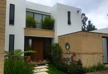 Casa en venta en Casco Urbano Chía con Piscina...