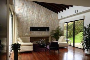 Casa Campestre de 342m2 en Sopó, Condominio Hatogrande Reservado - de tres niveles