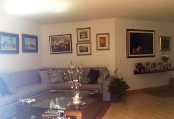Apartamento en venta en San Patricio de 4 habitaciones