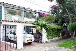 Casa en venta en Santa Paula 183m²
