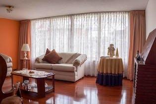 Casa En Venta En Bogota San Martin, con jardín interior.