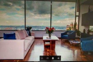 Apartamento en venta en El Refugio con Jardín...