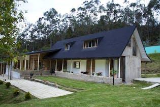 Casa Campestre En Venta En Facatativa Alto Del Vino con Bunquer de 20 metros bajo de la casa