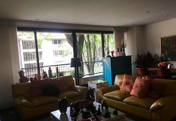 Apartamento en Bogota Chico - con cuarto y baño de servicio