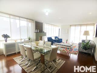 Una sala de estar llena de muebles y una mesa en ESPECTACULAR APARTAMENTO ESQUINERO de 3HABS – VENTA – Cra 15A Cll 118 – SANTA BÁRBARA
