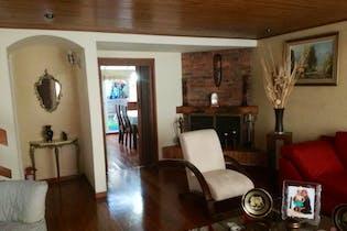 Casa en Chia-20 de Julio con tres habitaciones y cuatro baños.