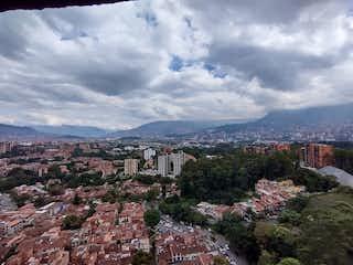 Una vista de una montaña en un cielo nublado en Apartamento en Venta RODEO ALTO