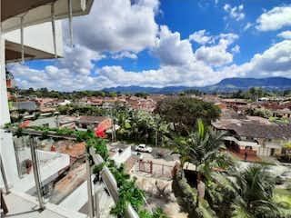 Una vista de un edificio con una torre de reloj en Venta de apartamento en La Ceja