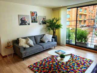 Una sala de estar llena de muebles y una mesa de café en Apartamento en venta en Santa Bárbara Occidental 107m² con Bbq...