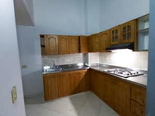 Una cocina con una estufa de fregadero y armarios en Casa en venta en San Pedro, de 150mtrs2