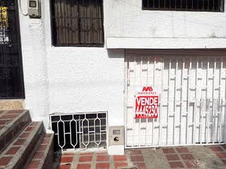 Una señal en el lado de un edificio en Apartamento en Venta BUENOS AIRES