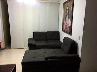 Una sala de estar llena de muebles y una ventana en Apartamento en venta en Mota de 3 hab. con Piscina...