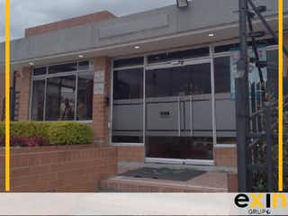 Un edificio que tiene una ventana en él en APARTAMENTO EN VENTA EN GRAN GRANADA BOGOTÁ
