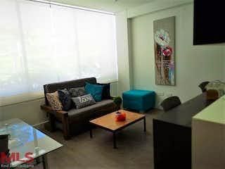 Una sala de estar llena de muebles y una ventana en Conjunto Campestre Seniors Fizabad