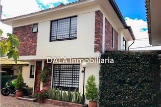Casa en venta en Avenida Pradilla de 3 habitaciones