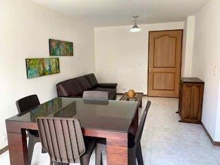 Una sala de estar llena de muebles y un sofá en Apartamento en venta en Loma de los Bernal, de 60,58mtrs2